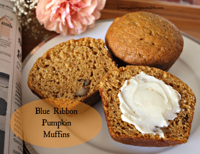 Blue Ribbon Pumpkin Muffins / {i love} my disorganized life