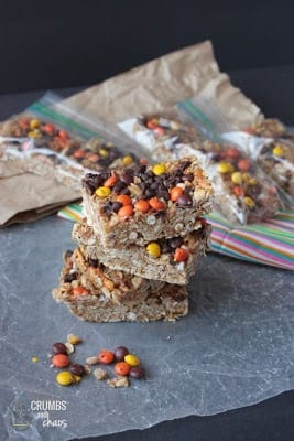 {No Bake} Peanut Butter Pretzel Granola Bars from Crumbs and Chaos