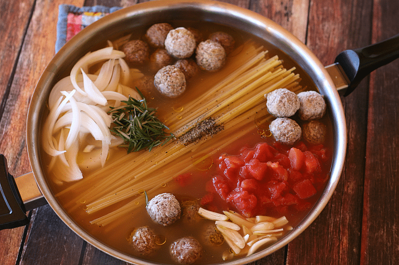 This one pot pasta dish with meatballs & Mozzarella is cheesy, has tons of flavor and is ready in as little as 30 minutes- perfect for the active family!
