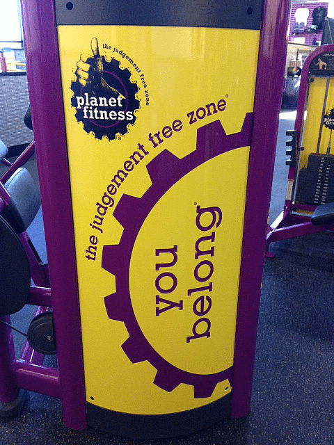 It isn't always easy to start and keep a fitness routine. These easy tips will help you get a jump start on reaching your goals and stay fit for life. #PlanetFitness #ad #IC