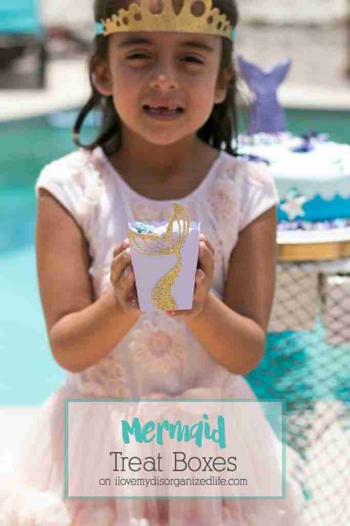 Mermaid DIY treat boxesare easy to make and a great way to add fun to your mermaid party. Perfect for popcorn or puppy chow!