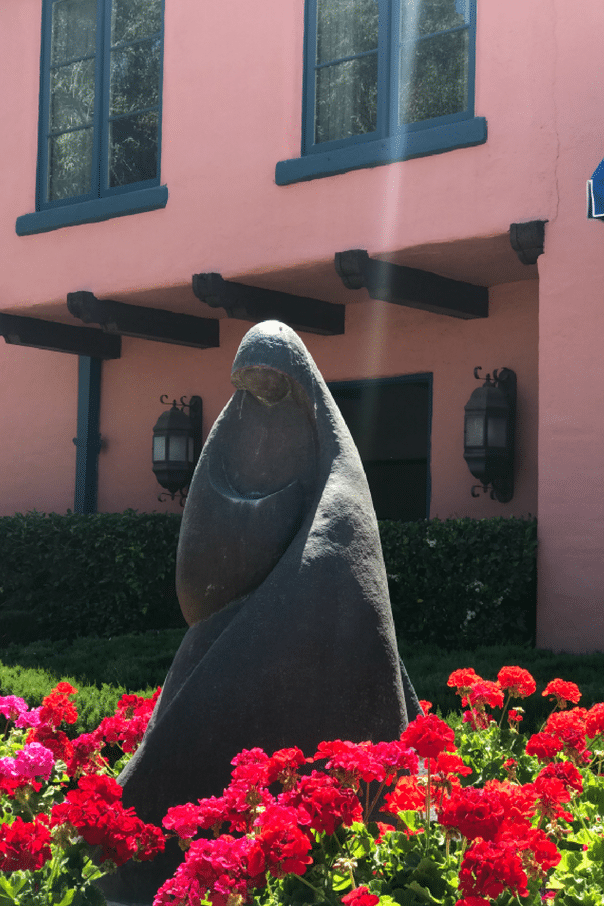 Arizona Inn Tucson garden statue of woman